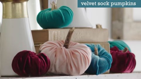 How to Make Velvet Sock Pumpkins | DIY Joy Projects and Crafts Ideas