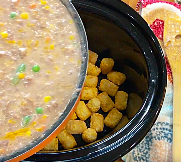 Learn To Make this delicious Bacon Cheeseburger Tater Tot Casserole Recipe | Quick and Easy Crockpot Recipes for Dinner