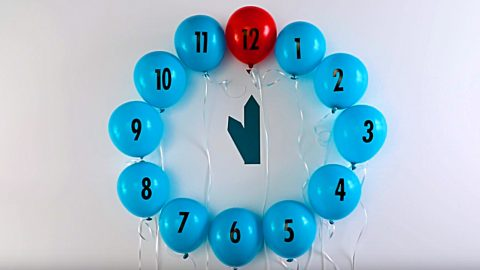 DIY New Year's Eve Balloon Clock | DIY Joy Projects and Crafts Ideas