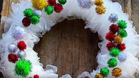 DIY Bath Scrubby Christmas Wreath | DIY Joy Projects and Crafts Ideas