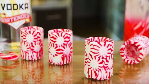 Candy Cane Cups With Candy Cane Infused Vodka | DIY Joy Projects and Crafts Ideas
