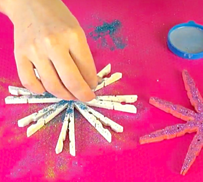 Learn to make a quick easy cheap DIY Clothespin Ornament from Dollar Tree