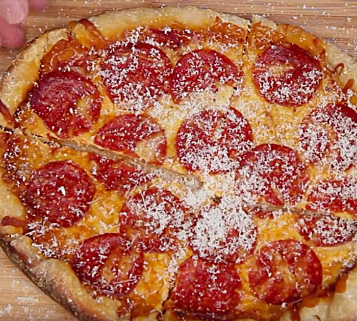 Try making this crockpot deep dish pepperoni pizza with pop biscuits