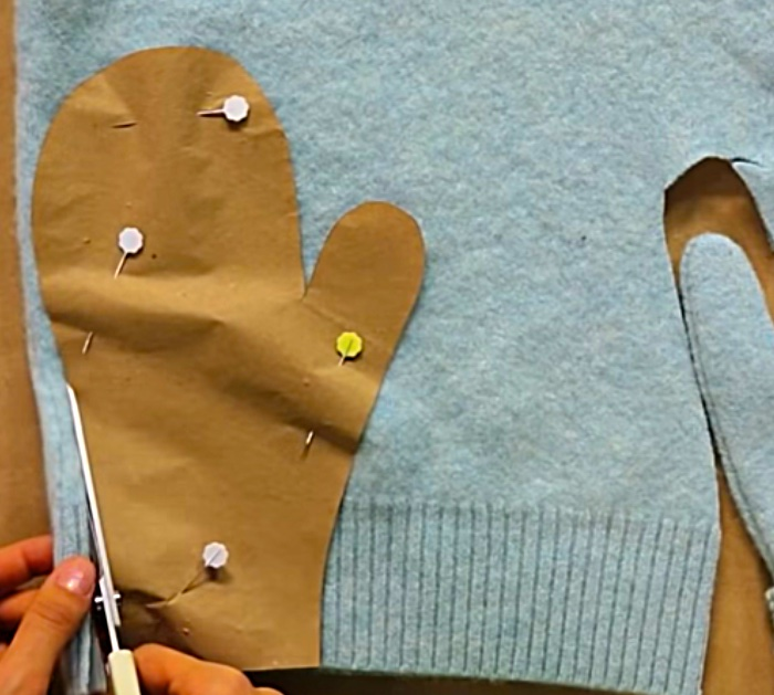 Make DIY Mittens from a felted recycled sweater
