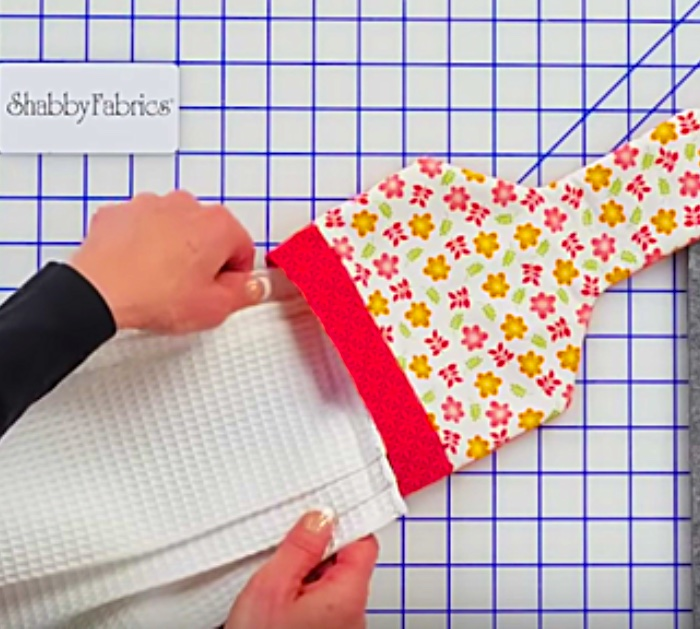 Learn to sew a DIY hanging towel from Shabby Fabrics June Tailor Kit