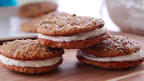 Copycat Little Debbie Oatmeal Cream Pies Recipe   DIY Joy Projects and Crafts Ideas