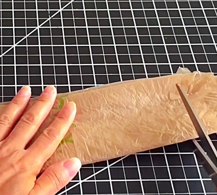 Learn To Make DIY Plastic Bag Yarn from grocery bags