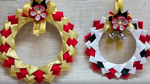 DIY Satin Wreath Ornaments Using Polystyrene Plates | DIY Joy Projects and Crafts Ideas