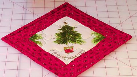 Learn To Sew A Christmas Pot Holder | DIY Joy Projects and Crafts Ideas