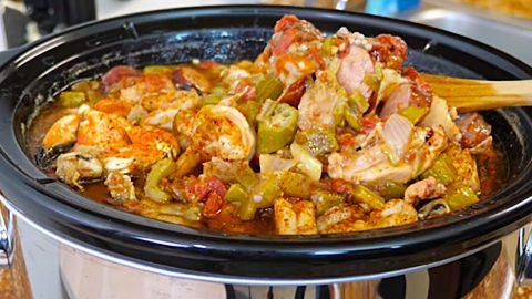 Crockpot Cajun Seafood Gumbo Recipe | DIY Joy Projects and Crafts Ideas