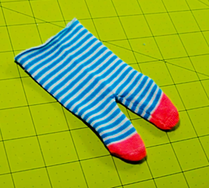 Learn to make a cheap, easy, quick sock doll for Christmas Gifts