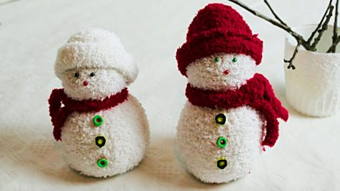 Learn To Make DIY Sock Snowman | DIY Joy Projects and Crafts Ideas