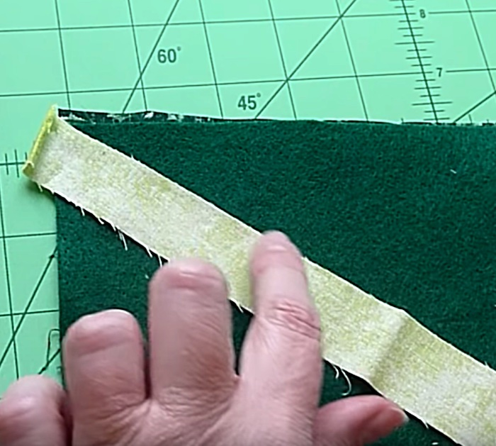 Learn to sew a DIY Scrappy tree from fabric scraps