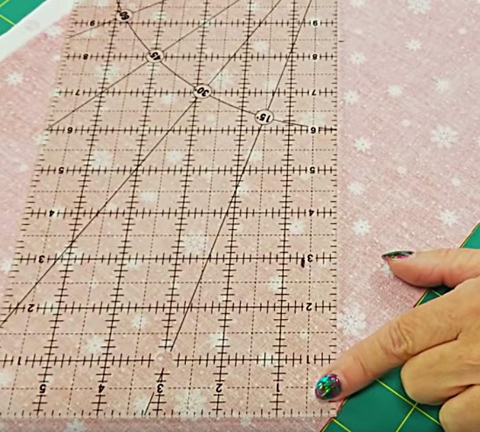 Learn to sew Last Minute Christmas Tree Napkins