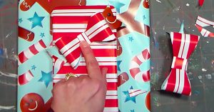 DIY Bow Out Of Wrapping Paper