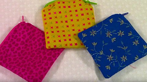 Learn To Sew A DIY Small Zipper Pouch | DIY Joy Projects and Crafts Ideas
