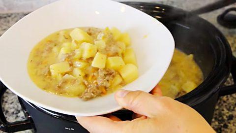 Crockpot Cheeseburger Soup Recipe | DIY Joy Projects and Crafts Ideas
