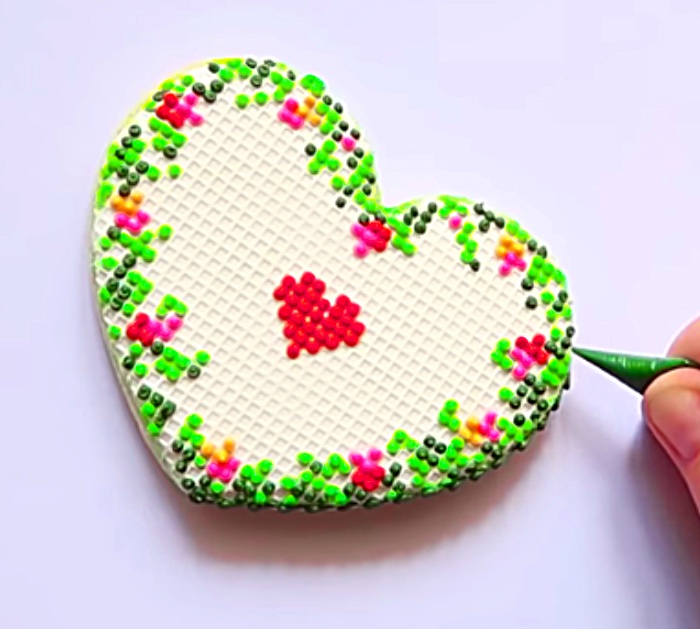 Make adorable Valentine's Day Edible Icing Grid Cross-Stitch Heart Shaped Cookies