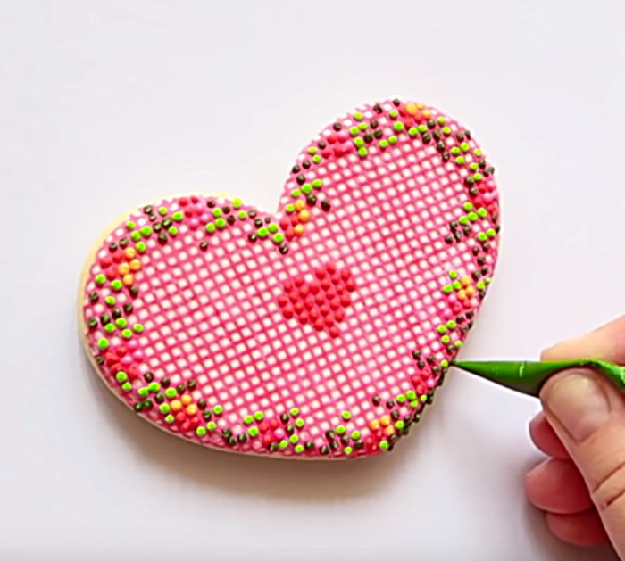 Make cheap easy artistic Valentine's Day Edible Icing Grid Cross-Stitch Heart Shaped Cookies