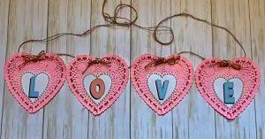 DIY Dollar Tree Paper Heart Doily Banner