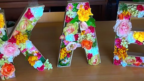 DIY Floral Monogram Letters | DIY Joy Projects and Crafts Ideas