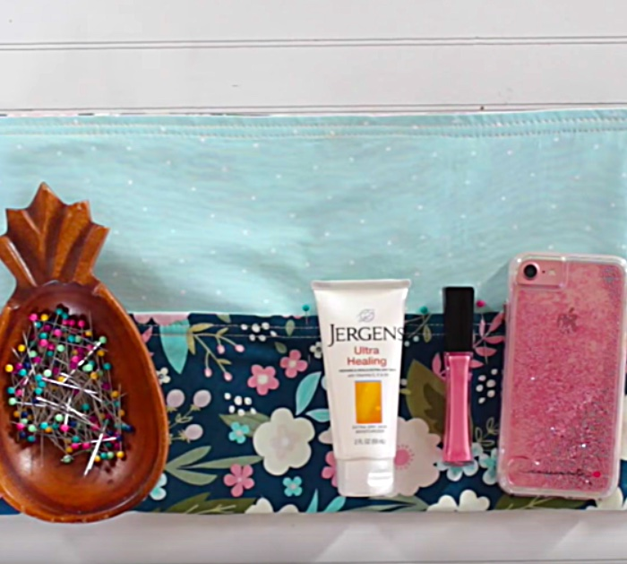 Try following these simple instructions to make a bag organizer insert out of a placemat