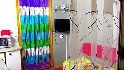 DIY Beaded Curtain From Plastic Drinking Straws | DIY Joy Projects and Crafts Ideas