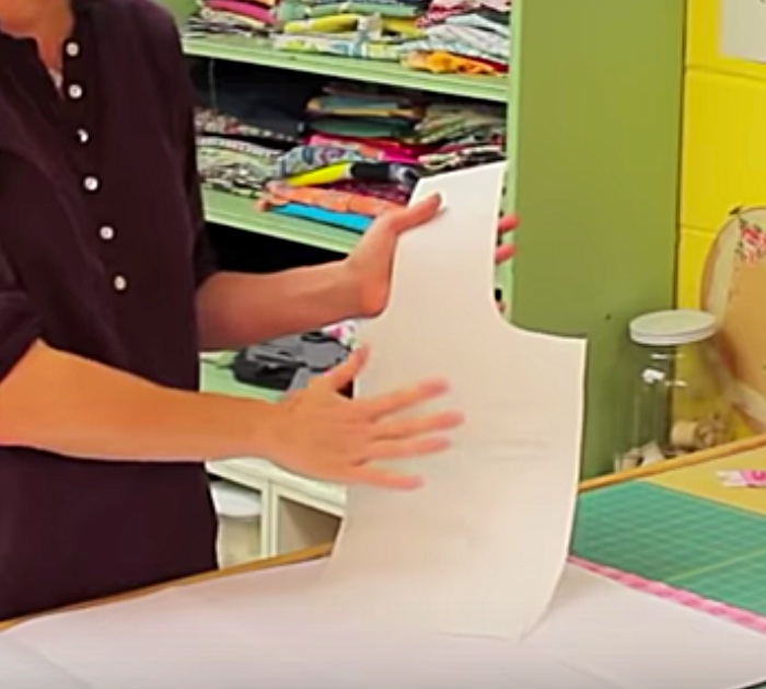 Learn to sew a DIY Tote bag using a drop cloth from the hardware store