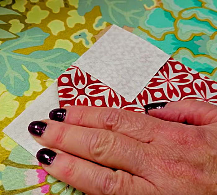 Learn to sew a Valentine Sweetheart Quilted Table Runner with Donna Jordan