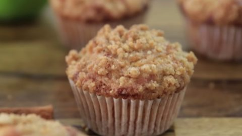 Apple Crumble Muffins Recipe | DIY Joy Projects and Crafts Ideas