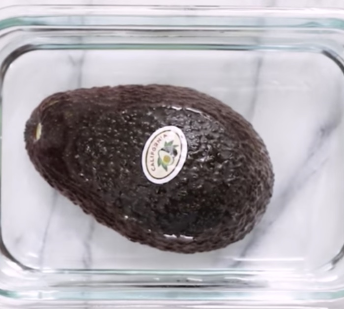 Learn to keep your avocado from browning oxidizing