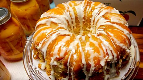 Boozy Peach Upside Down Bundt Cake Recipe | DIY Joy Projects and Crafts Ideas