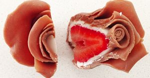 How to Make Chocolate Strawberry Roses