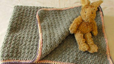 How To Make A Crocheted Baby Blanket | DIY Joy Projects and Crafts Ideas