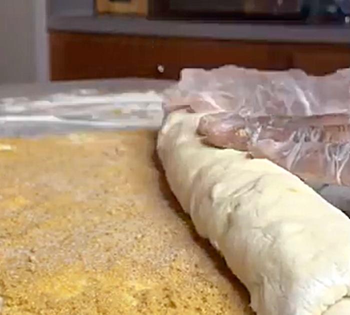 Make Crown Royal Peach Cobbler Cinnamon Rolls