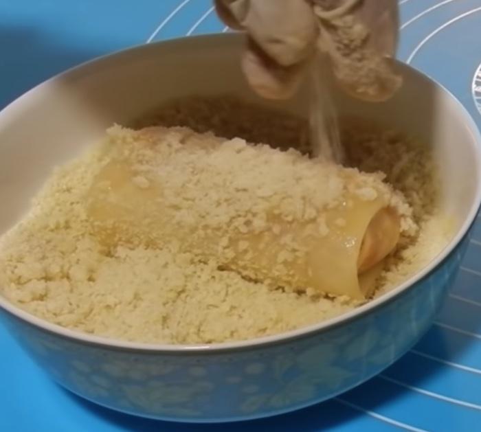 Make delicious easy cheap Crunchy Mozzarella Sticks