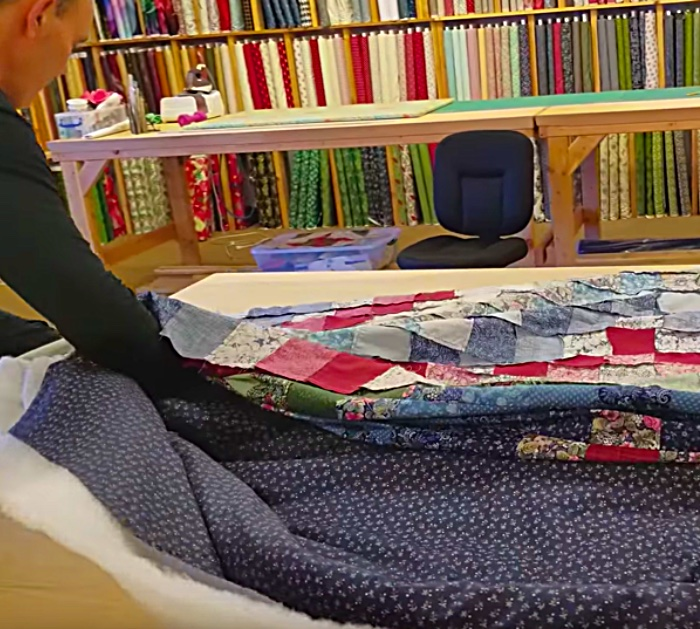 Make a hand tied quilt with yarn