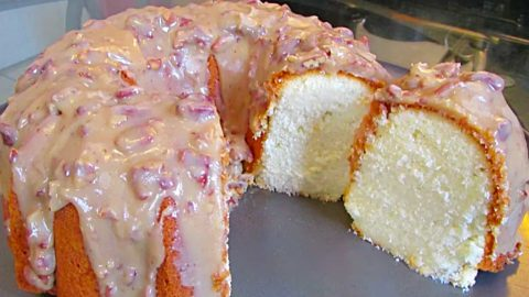 New Orleans Praline Pound Cake Recipe | DIY Joy Projects and Crafts Ideas