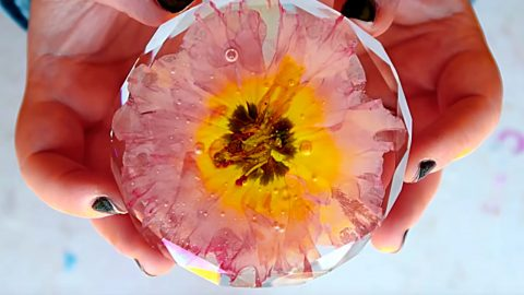 DIY Resin Flower | DIY Joy Projects and Crafts Ideas