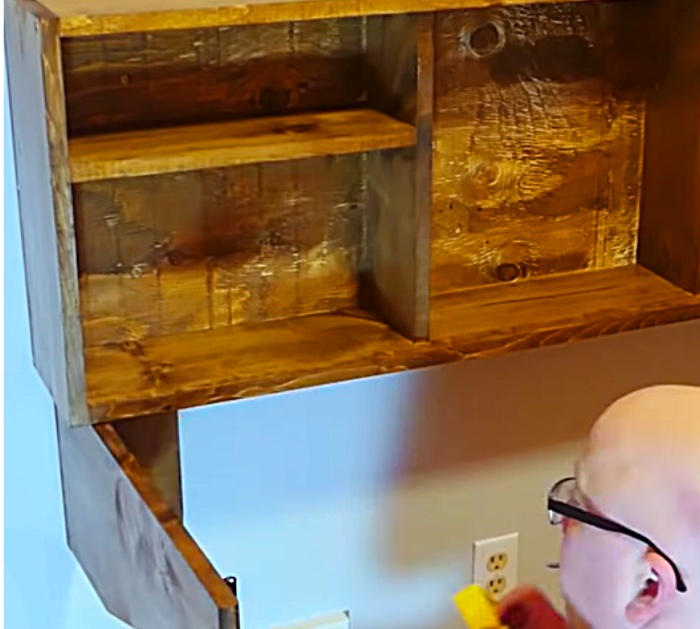 Make a quick easy DIY Wall mounted Fold Down Desk