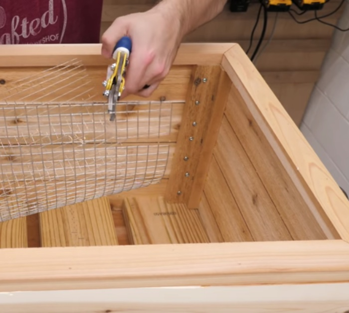 Make Modern Raised Planter Boxes for the patio