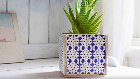 How to Make A Planter from 5 Tiles | DIY Joy Projects and Crafts Ideas