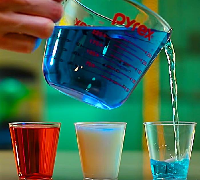 Make vodka jello shots in an American Flag display
