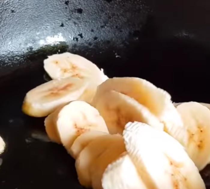 Make banana bread toast for breakfast