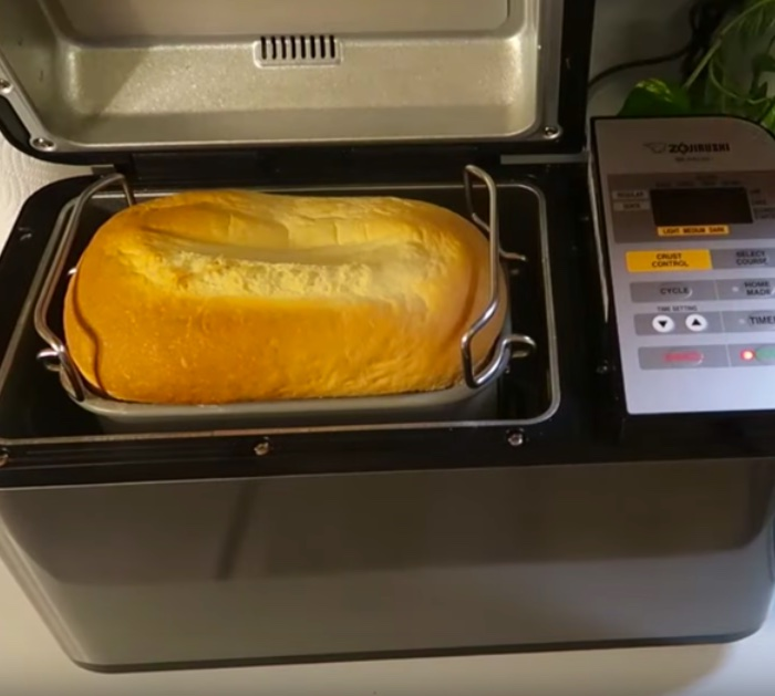 Make bread in a bread machine for sandwiches