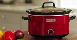Mistakes Everyone Makes Using A Slow Cooker