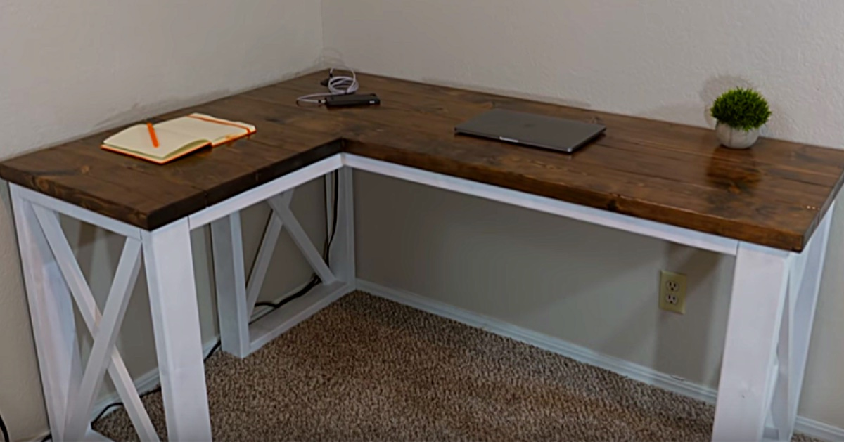Diy Farmhouse Computer Desk For Under 100
