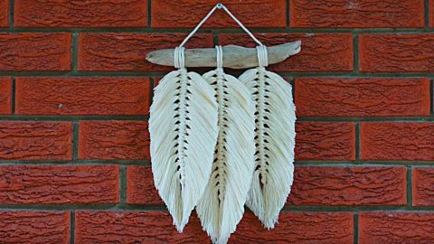 How To Make A Macrame Feather Wall Hanging | DIY Joy Projects and Crafts Ideas