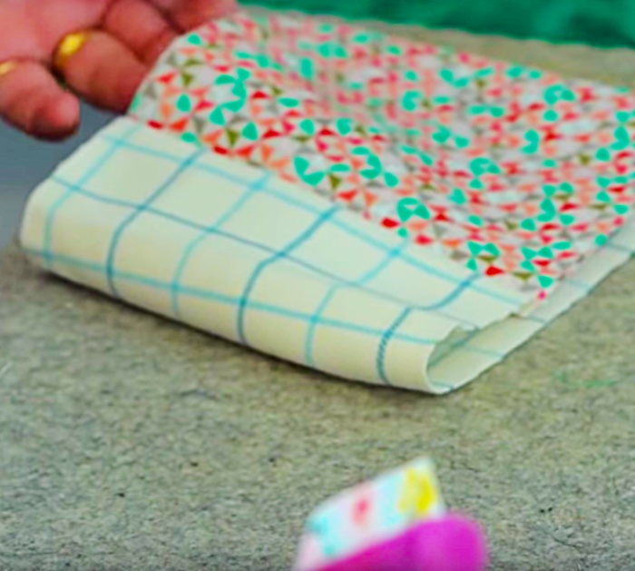 Jenny Doan makes a barrier mask - Easy Face Mask Sewing Tutorial With Free Pattern
