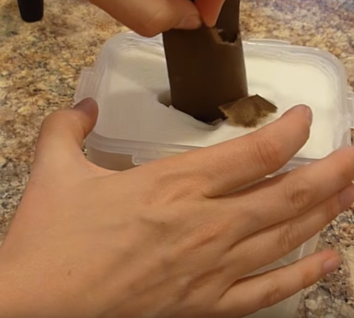 Make easy quick kitchen wipes with rubbing alcohol